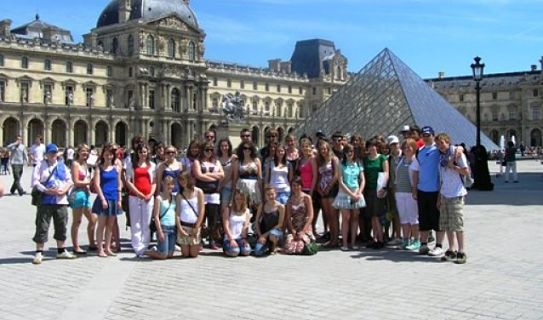 Students at Louvre