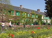 monets house in giverny opt